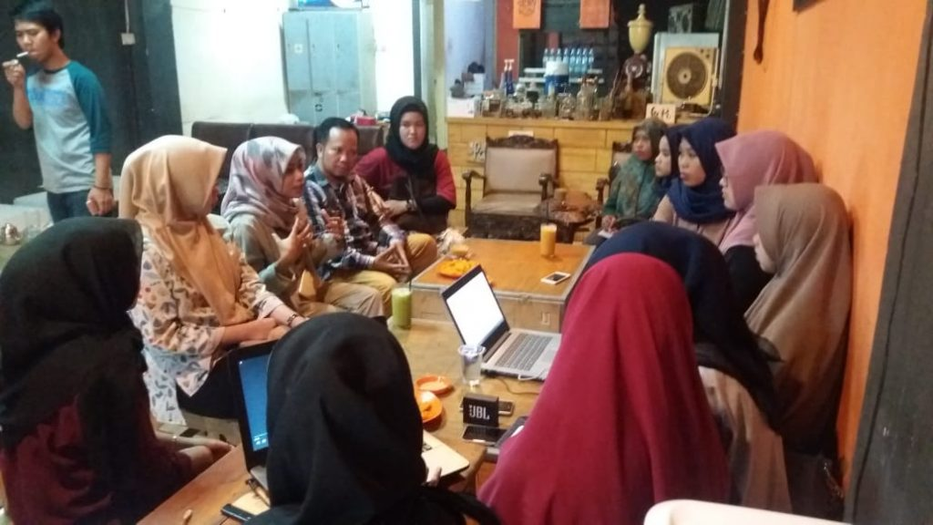 Presenter Inews TV Berbagi Pengalaman Liputan Dengan Mahasiswa Komunikasi UMI di Warung Kopi			No ratings yet.